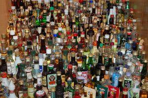 800px-Liquor_bottles