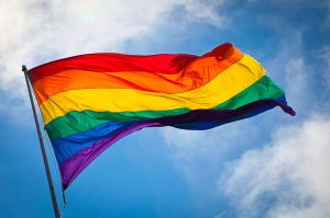 800px-Rainbow_flag_breeze